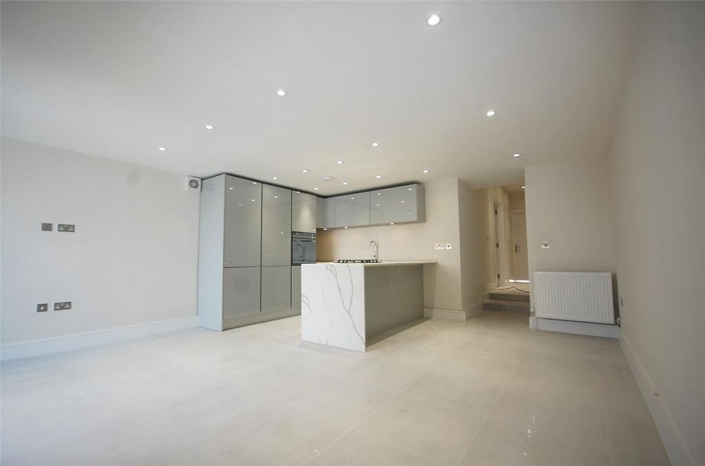 3 Bedrooms Apartment Flat for sale in Station Road, Finchley, London, N3