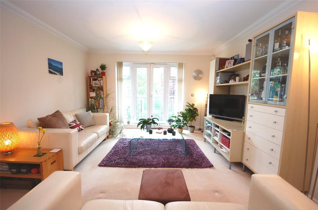 2 Bedrooms Apartment Flat for sale in Burberry Court, Etchingham Park Road, Finchley, London, N3