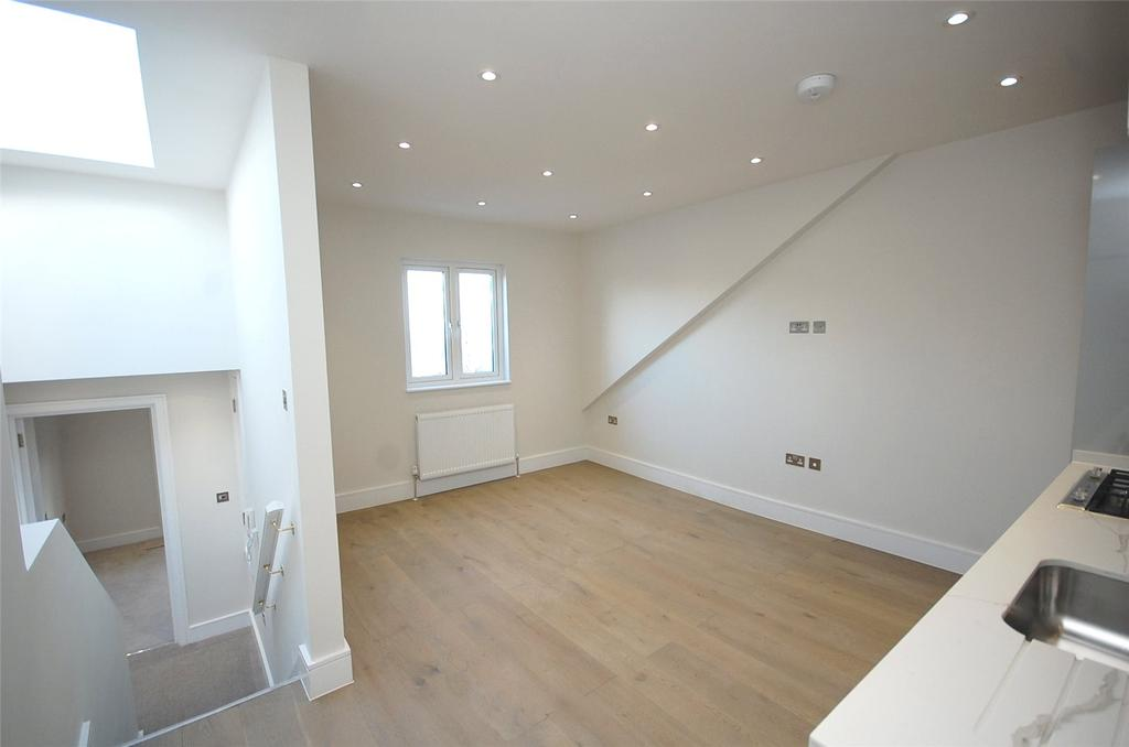 2 Bedrooms Apartment Flat for sale in Station Road, Finchley, London, N3