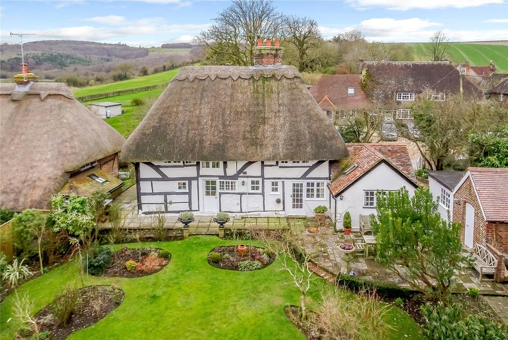 3 Bedrooms Detached House for sale in South Lane, Houghton, Arundel, West Sussex