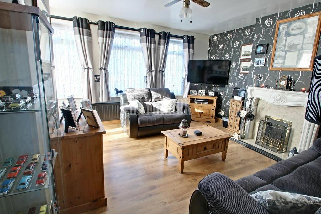 3 Bedrooms Semi Detached House for sale in Prince of Wales Road, Manor, S2