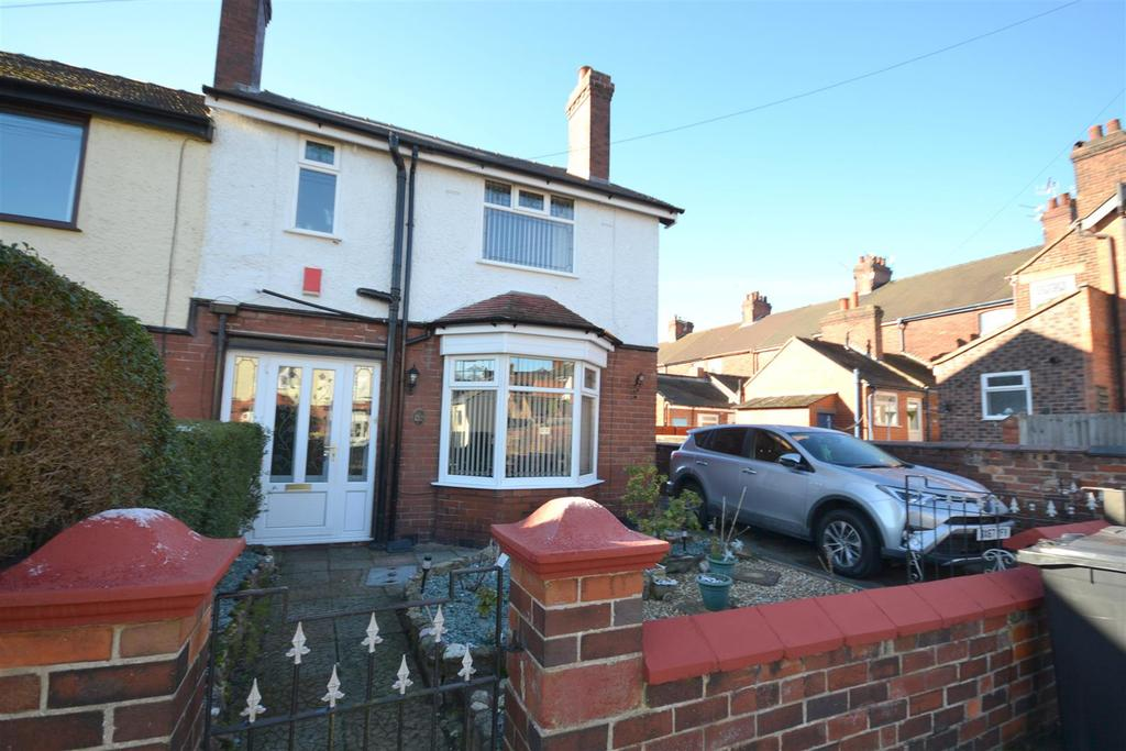 3 Bedrooms Semi Detached House for sale in Loring Terrace South, Wolstanton