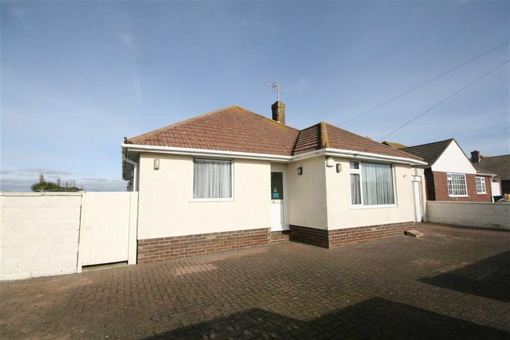 3 Bedrooms Detached Bungalow for sale in Roundhay Avenue, PEACEHAVEN