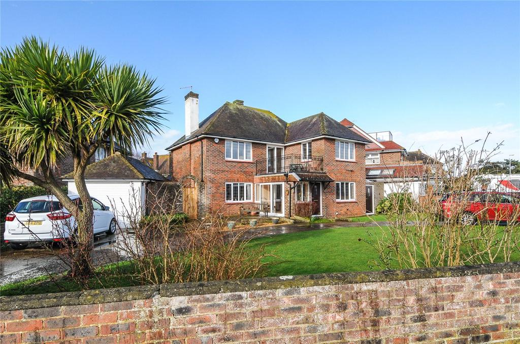 3 Bedrooms Detached House for sale in Marine Drive, Goring-by-Sea, Worthing, West Sussex, BN12