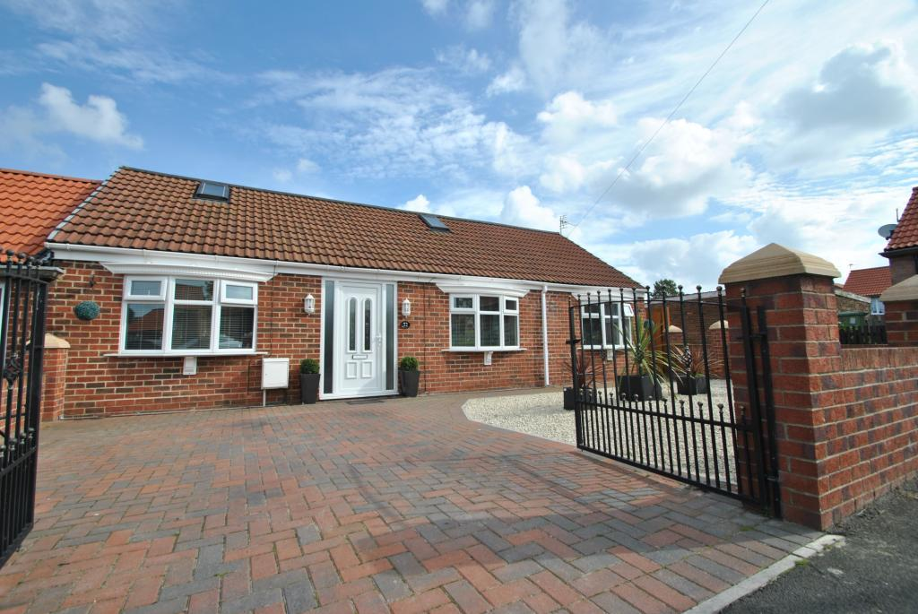 2 Bedrooms Semi Detached Bungalow for sale in Bude Square, Murton, Co Durham, SR7