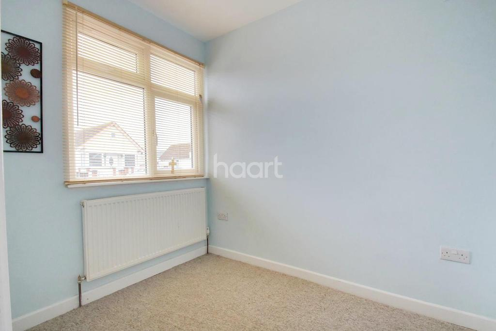 3 Bedrooms Bungalow for sale in Clacton-On-Sea Jaywick