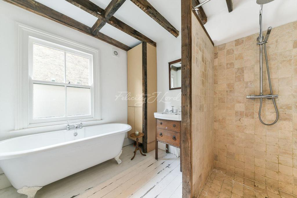 3 Bedrooms Terraced House for sale in John Campbell Road, N16