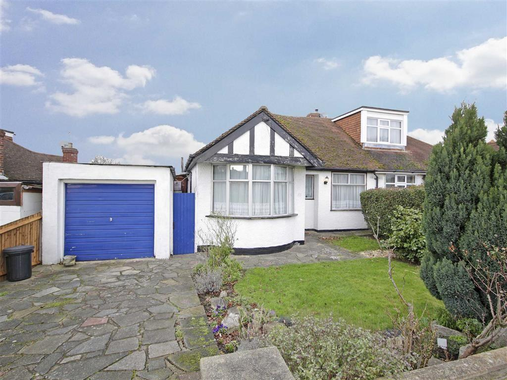 3 Bedrooms Semi Detached Bungalow for sale in Oxhawth Crescent, Bromley, Kent
