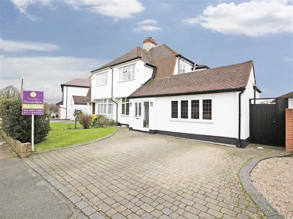 3 Bedrooms Semi Detached House for sale in Pickhurst Green, Hayes, Kent