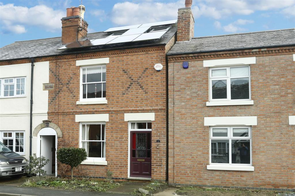 3 Bedrooms Semi Detached House for sale in St. Thomas's Road, Great Glen, Leicester