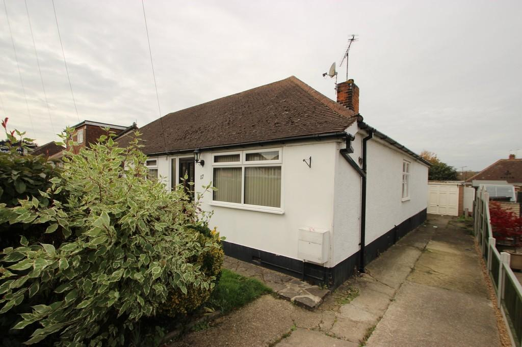 3 Bedrooms Chalet House for sale in Benfleet, SS7