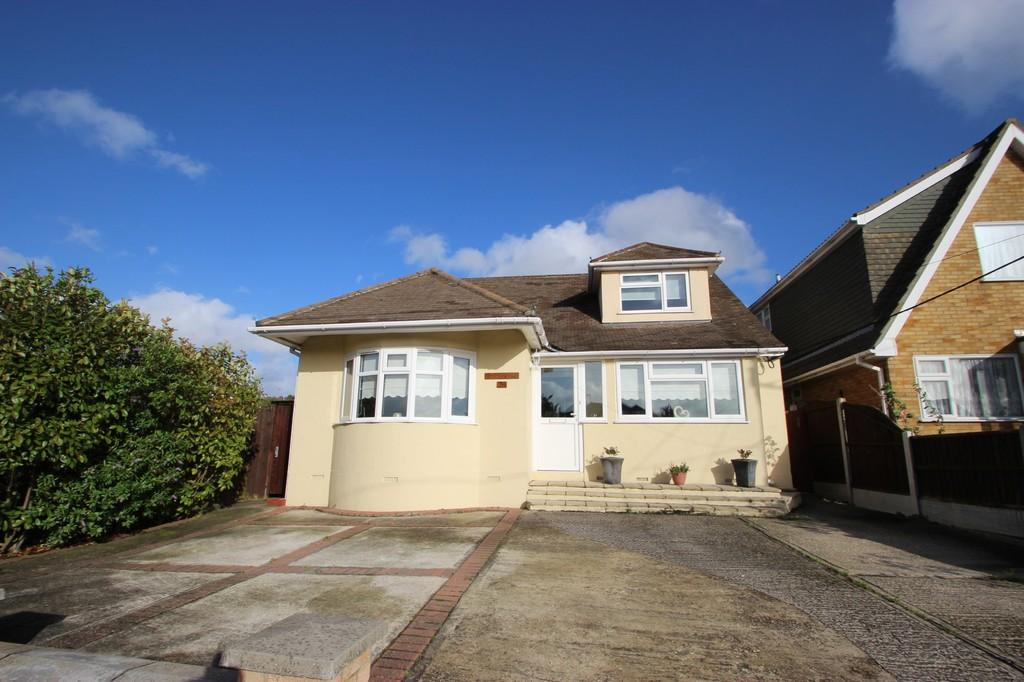 3 Bedrooms Detached House for sale in South Benfleet, SS7