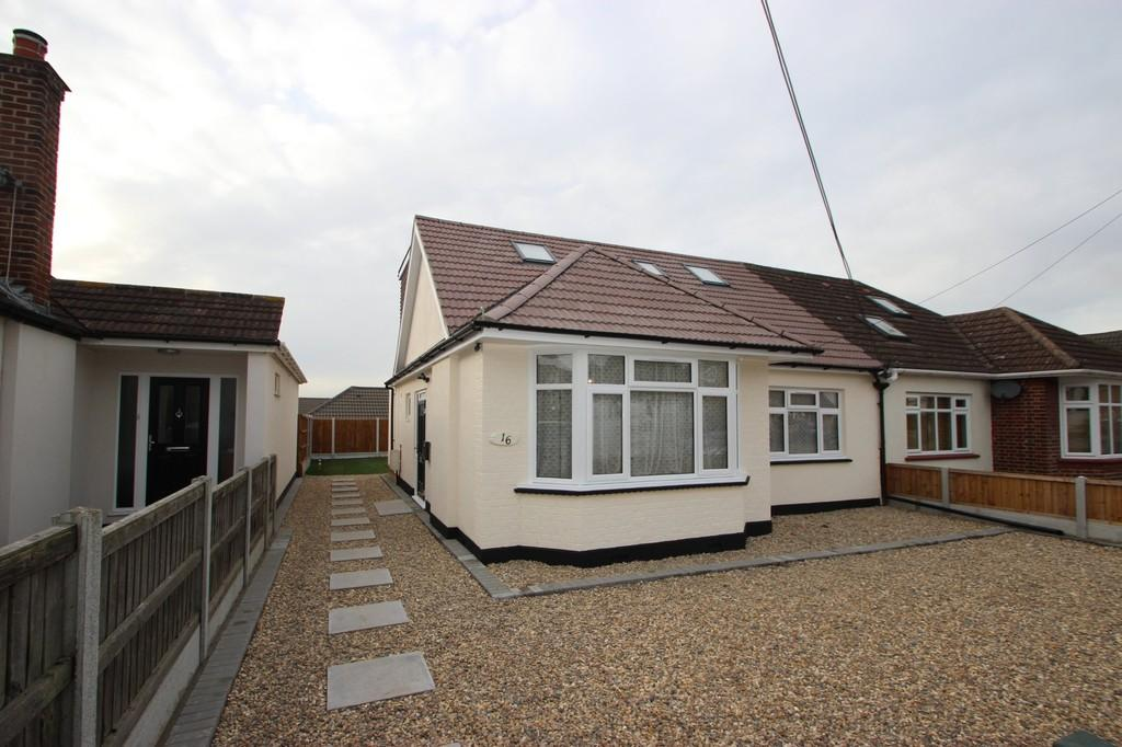 4 Bedrooms Chalet House for sale in South Benfleet, SS7