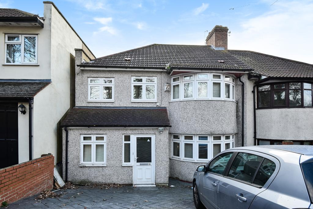 4 Bedrooms Semi Detached House for sale in Lodge Hill Welling DA16