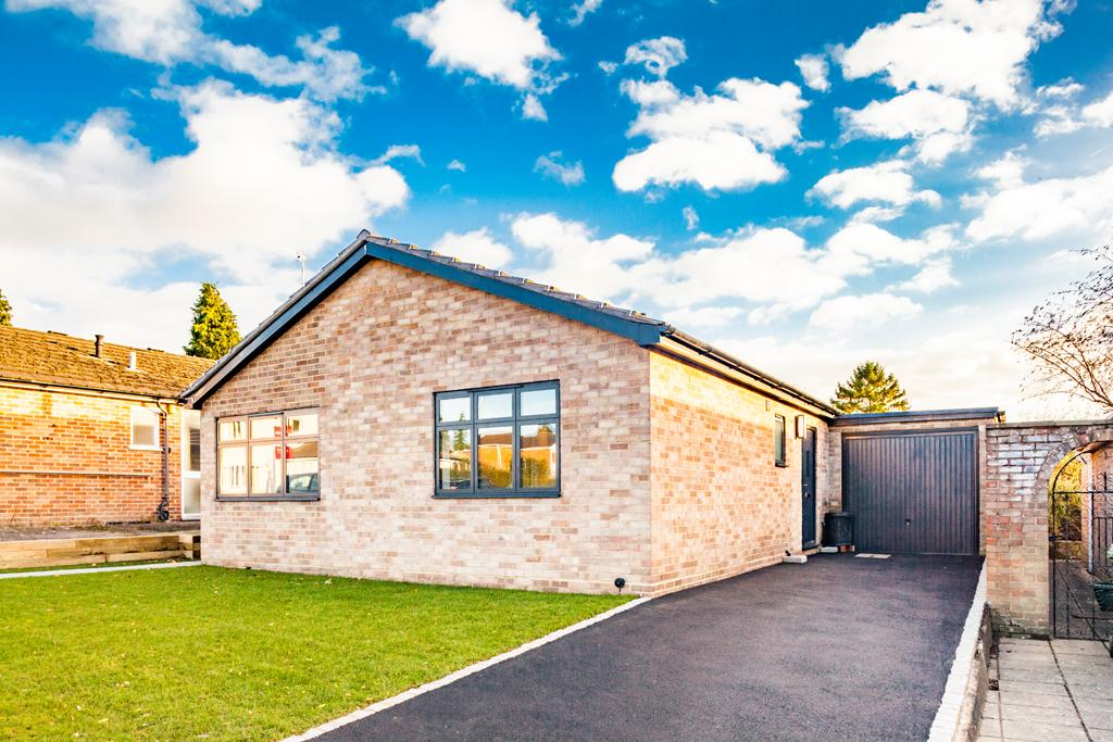 3 Bedrooms Bungalow for sale in 16 Lockstile Way, Goring on Thames, RG8