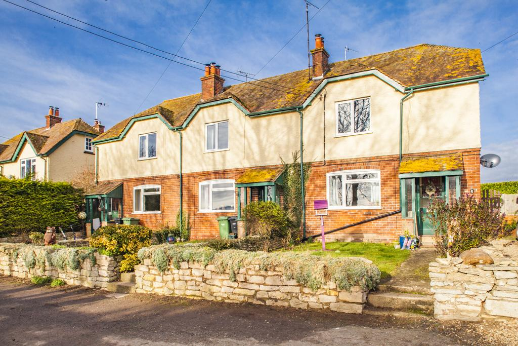 2 Bedrooms Terraced House for rent in 2 Greenlands Farm Cottages, Moulsford, OX10