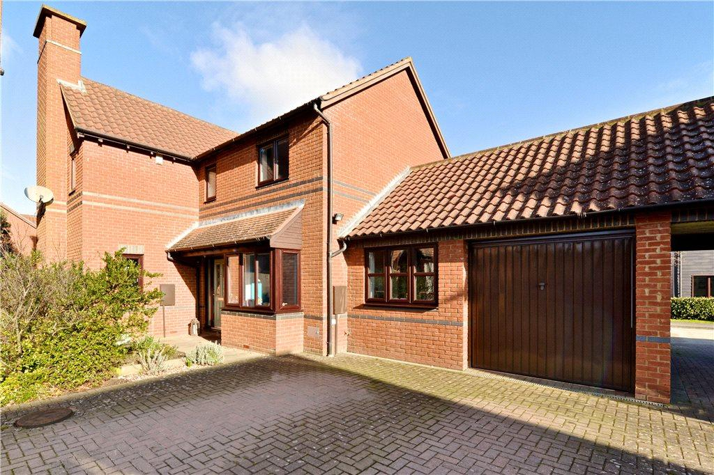 4 Bedrooms Detached House for sale in Linceslade Grove, Loughton, Milton Keynes, Buckinghamshire