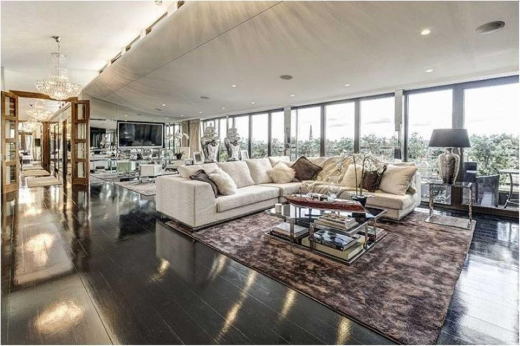 3 Bedrooms Apartment Flat for sale in Petersham House, South Kensington, London, SW7