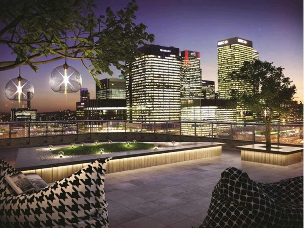 3 Bedrooms Apartment Flat for sale in Manhattan Plaza, Manhattan Tower, Canary Wharf, London, E14