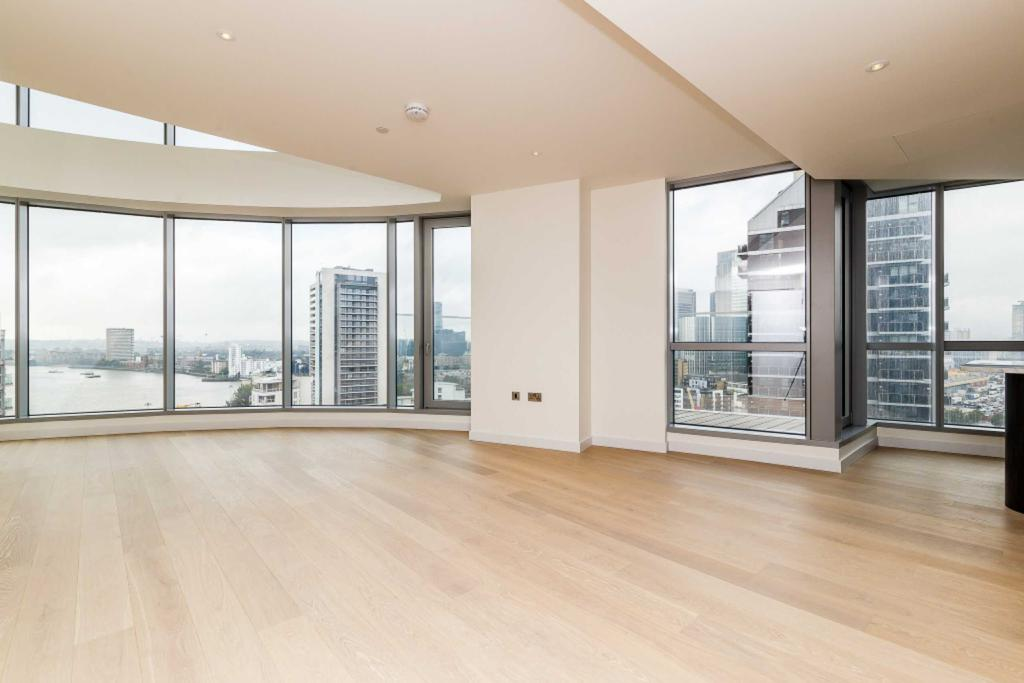 3 Bedrooms Apartment Flat for sale in Charrington Tower, New Providence Wharf, Fairmont Avenue, Canary Wharf, E14