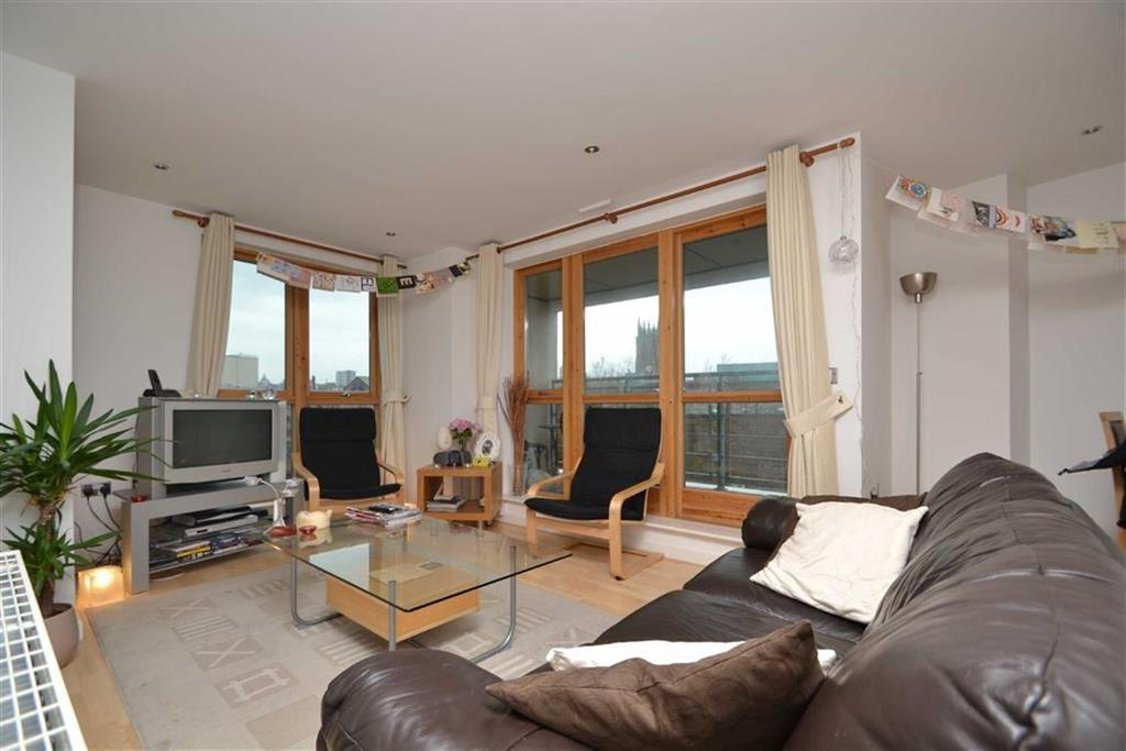 2 Bedrooms Apartment Flat for sale in St James Quay, Leeds, LS10