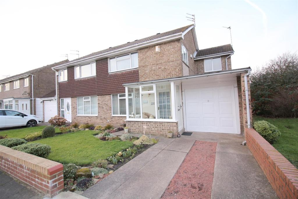 4 Bedrooms Semi Detached House for sale in Osprey Drive, Blyth