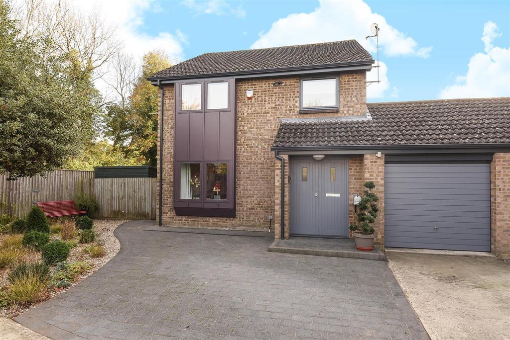 3 Bedrooms Link Detached House for sale in Meadow Way, Yarnton