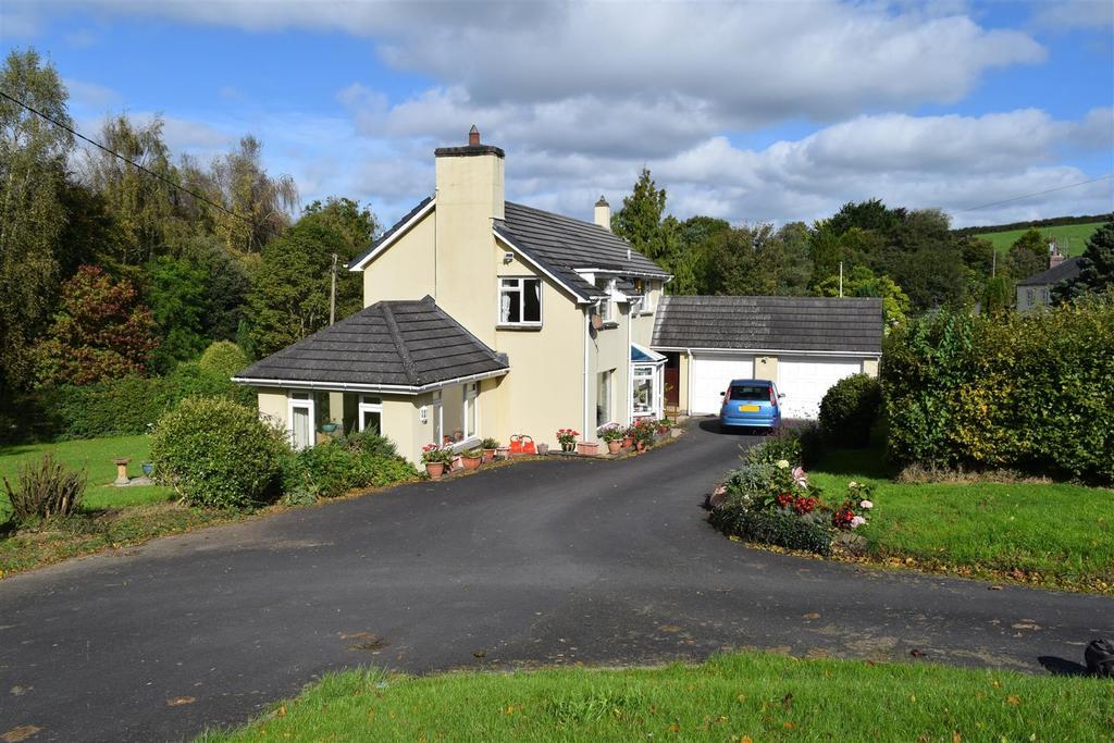 4 Bedrooms Detached House for sale in Landcross, Bideford