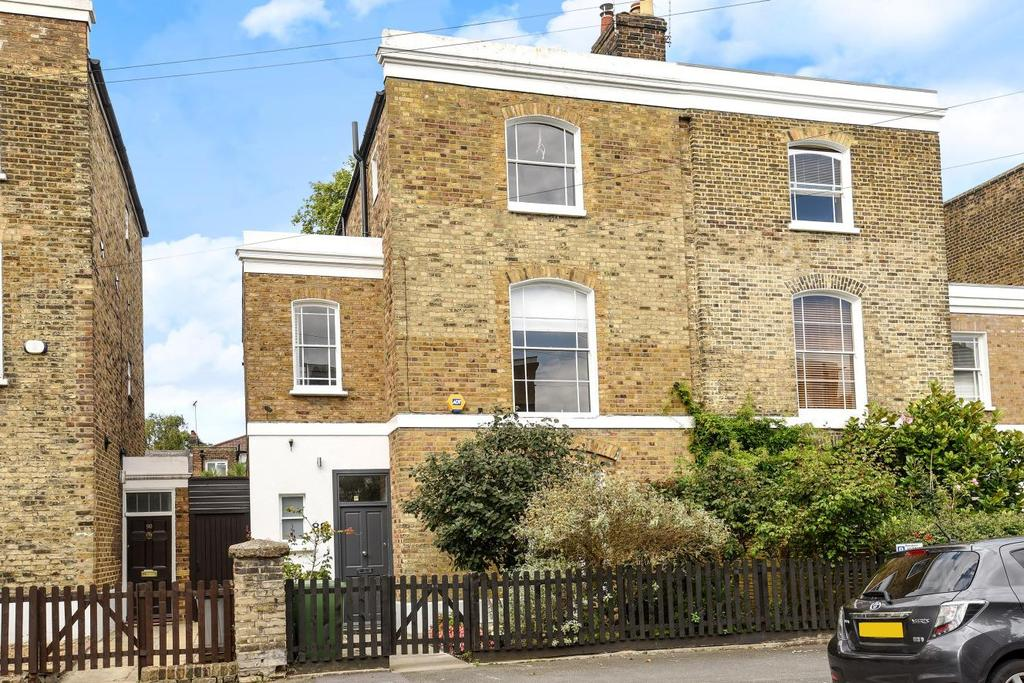 4 Bedrooms Semi Detached House for sale in Buckingham Road, Islington