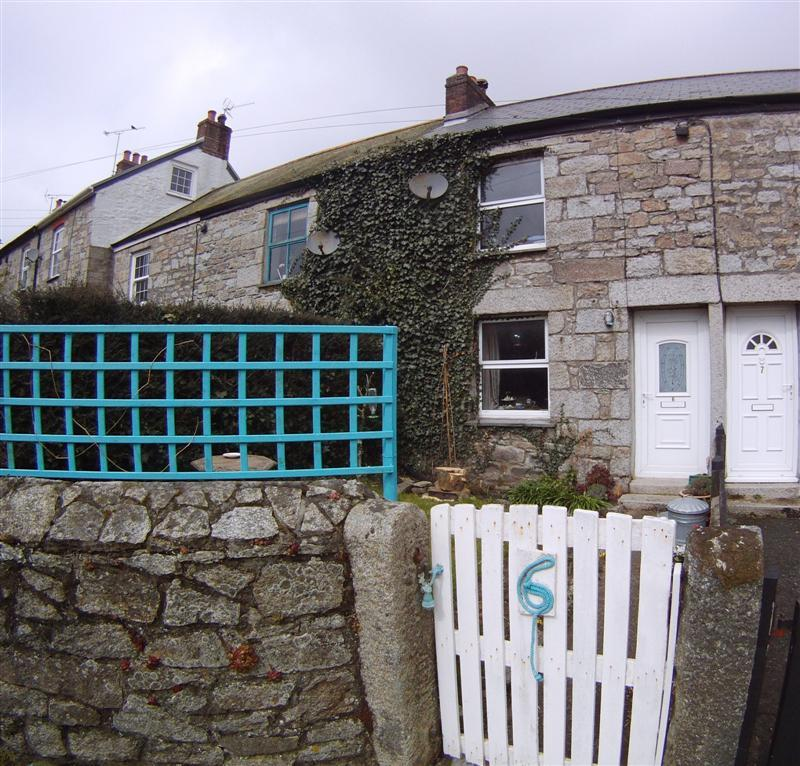 1 Bedroom Terraced House for sale in Burnthouse Cottages, Mabe TR10
