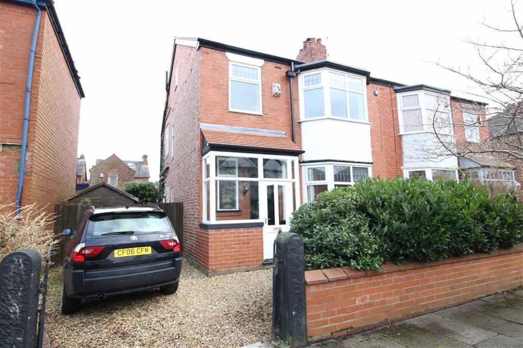 4 Bedrooms Semi Detached House for sale in Reeves Road, Manchester