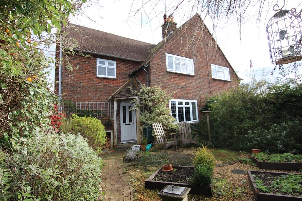 3 Bedrooms Semi Detached House for sale in Southdowns, Plumpton Green, Lewes