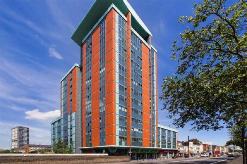 2 Bedrooms Flat for sale in East India Dock Road, Poplar, London, Greater London. E14