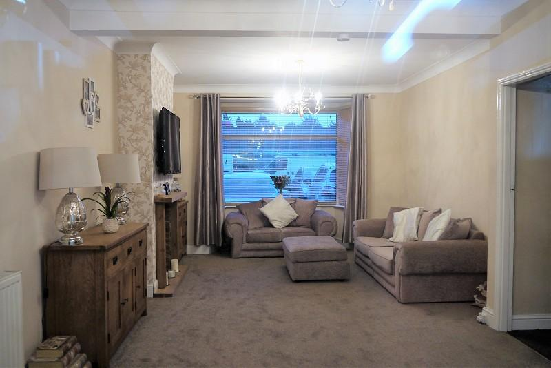 3 Bedrooms Terraced House for sale in Newham Way, East Ham, London, Greater London. E6