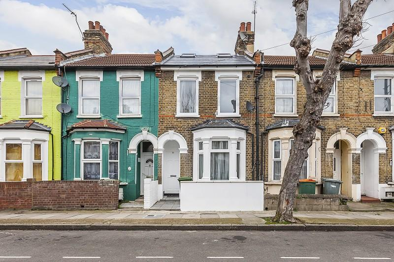 4 Bedrooms Terraced House for sale in Humberstone Road, Plaistow, London. E13 9NL