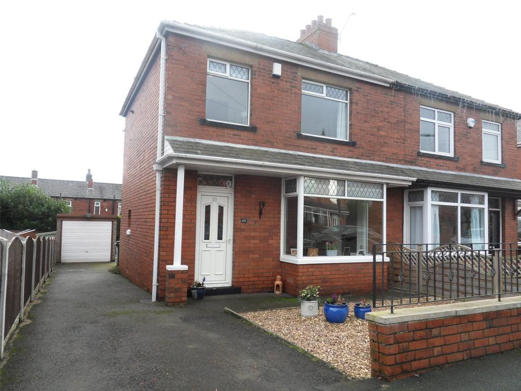 3 Bedrooms Semi Detached House for sale in Coniston Road, Hanging Heaton,Dewsbury, West Yorkshire, WF12