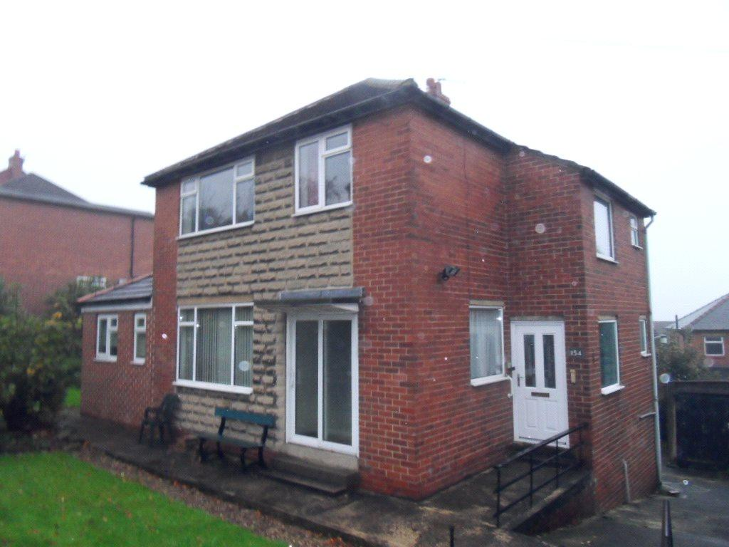 4 Bedrooms Detached House for sale in Soothill Lane, Batley, West Yorkshire, WF17