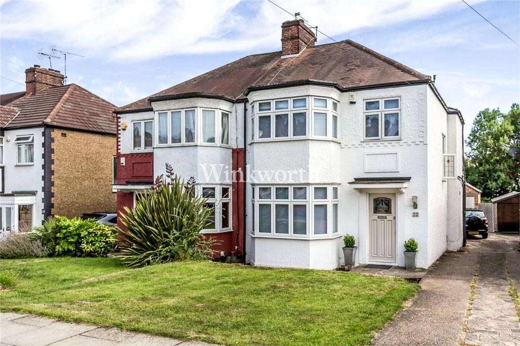 3 Bedrooms Semi Detached House for sale in Hadley Way, London, N21
