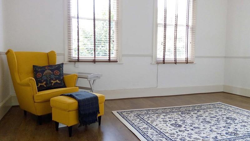 2 Bedrooms Flat for sale in Gurney Road, Stratford, London. E15 1SH