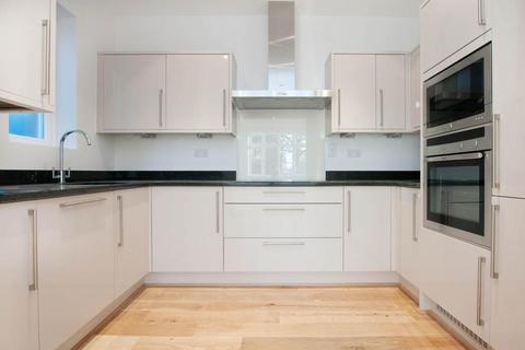 2 bedroom flat to rent - Turret Court, 112 Aldermans Hill, London, N13