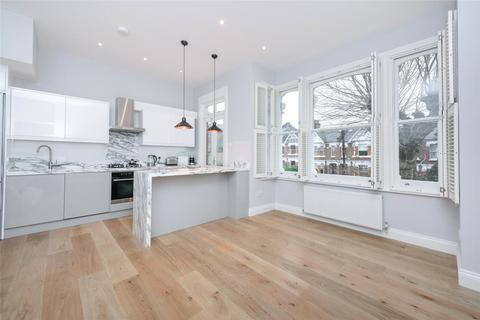 3 bedroom flat for sale - Chevening Road, London, NW6