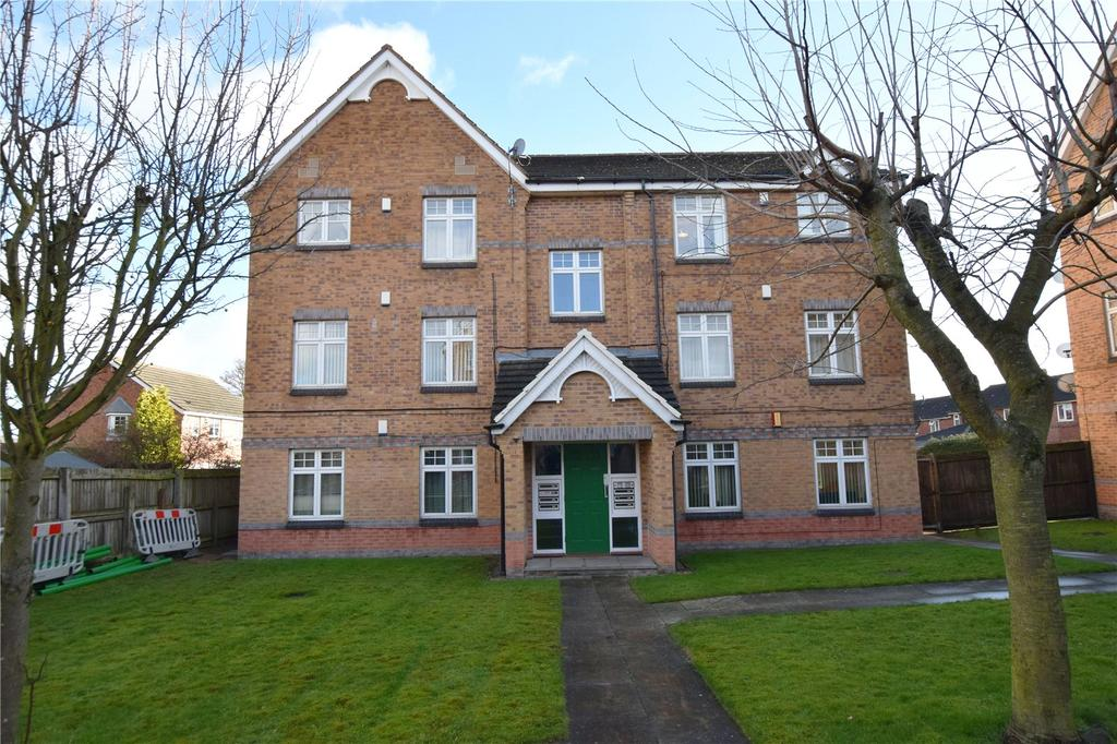 2 Bedrooms Apartment Flat for sale in Helmsley Court, Middleton, Leeds, West Yorkshire, LS10