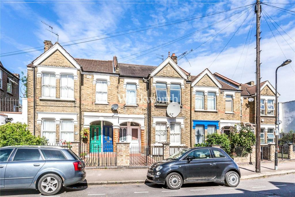 3 Bedrooms Flat for sale in Grove Road, London, N155HJ
