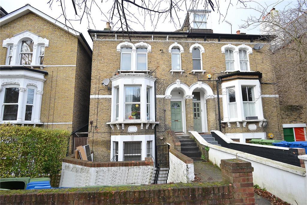 2 Bedrooms Maisonette Flat for sale in Barry Road, East Dulwich, London, SE22