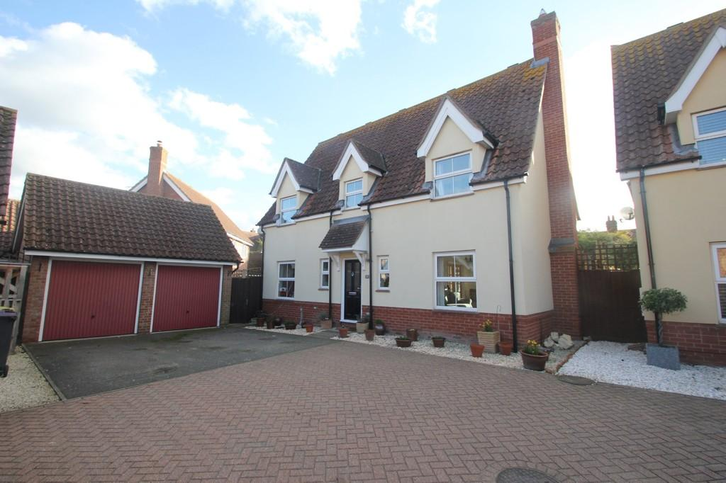4 Bedrooms Detached House for sale in Pemberton Field, South Fambridge, Rochford