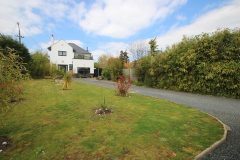 4 bedroom detached house for sale - White Hart Lane, Hawkwell