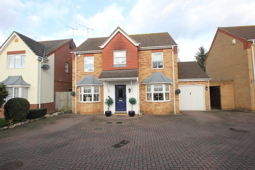 4 Bedrooms Detached House for sale in Sycamore Close, Rayleigh