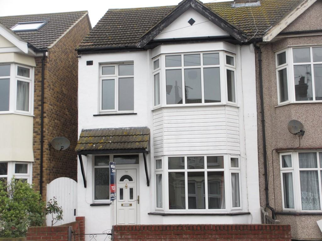 3 Bedrooms End Of Terrace House for sale in Manilla Road, Southend-On-Sea
