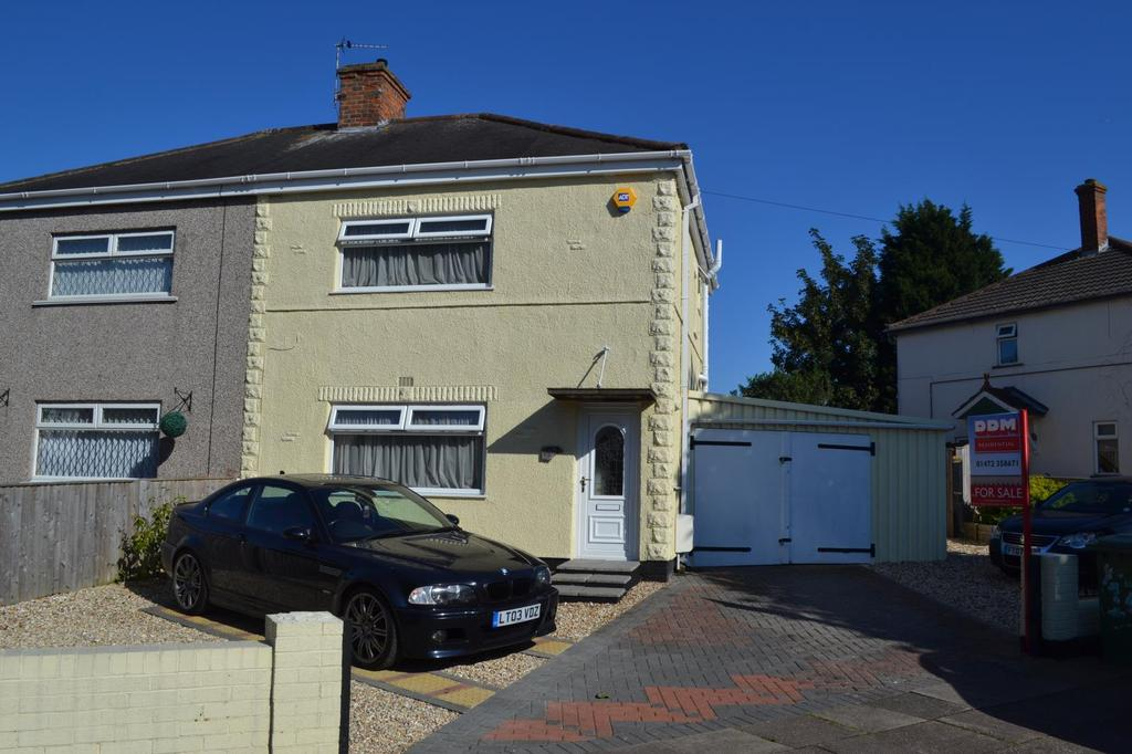 2 Bedrooms Semi Detached House for sale in First Avenue, Grimsby, North East Lincolnshire, DN33