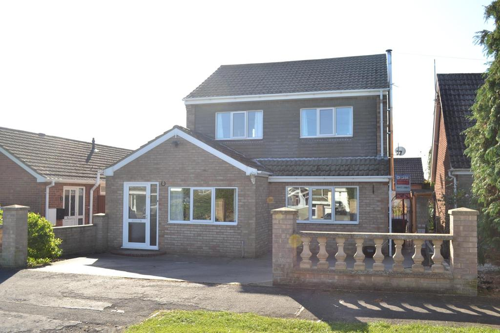 3 Bedrooms Detached House for sale in Osbourne Drive, Holton-le-Clay, North East Lincolnshire, DN36